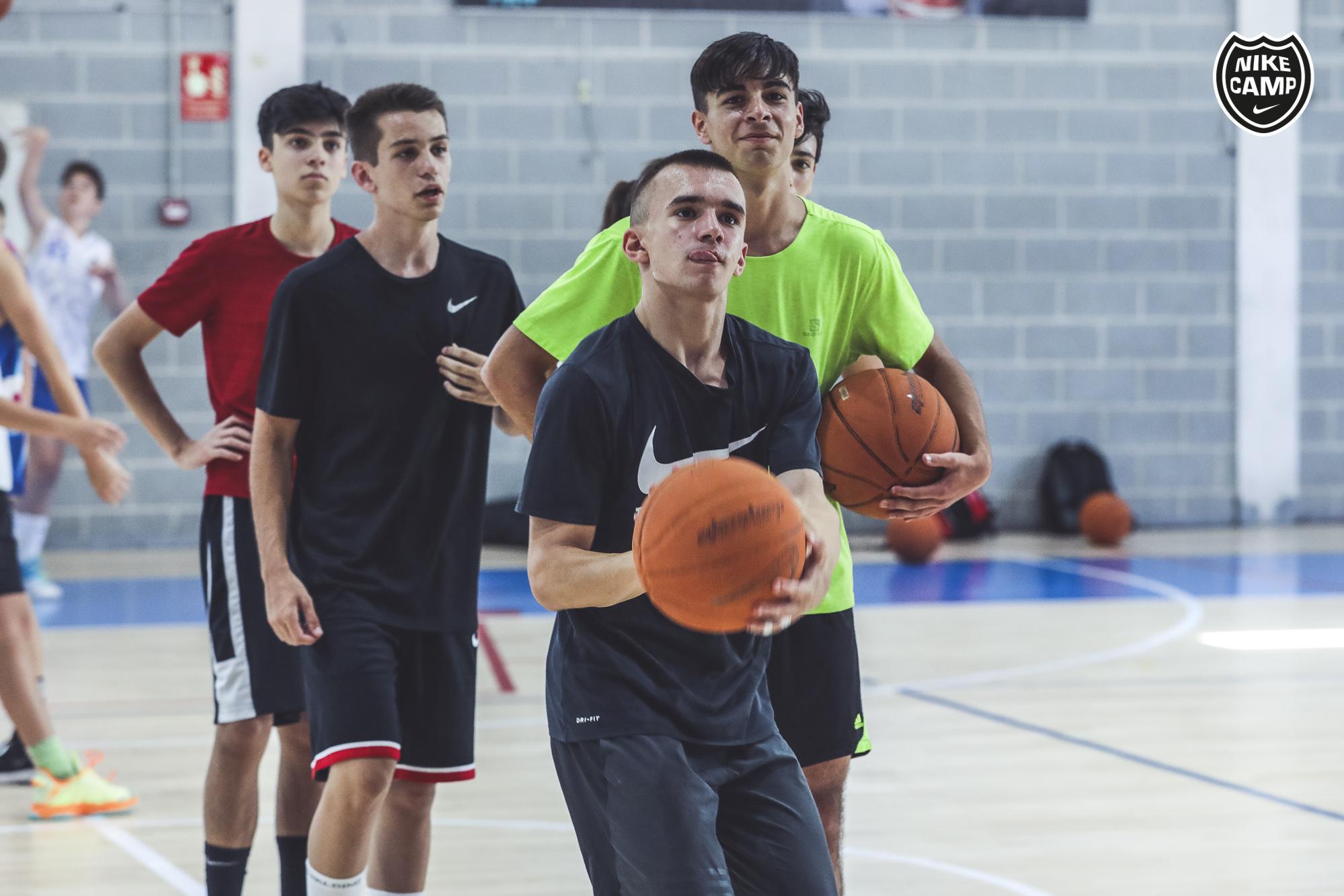 reembolso Periodo perioperatorio Experto  Nike Camp | Campus de fútbol, basket y futsal